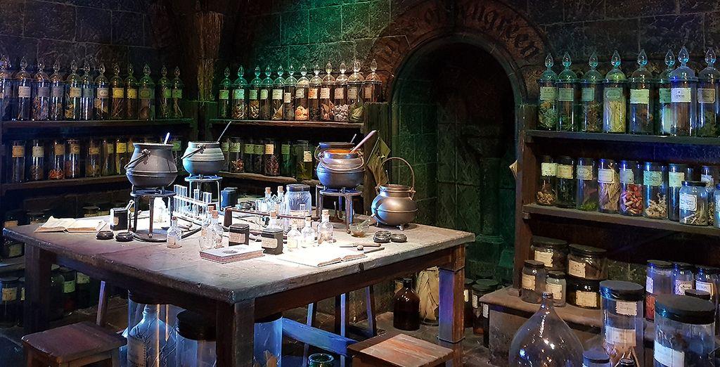 Découvrez la salle des potions aux Studios Harry Potter