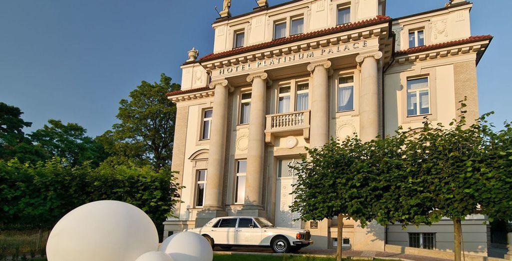 Et posez vos valises au Platinum Palace Wroclaw, au charme à la fois ancien...