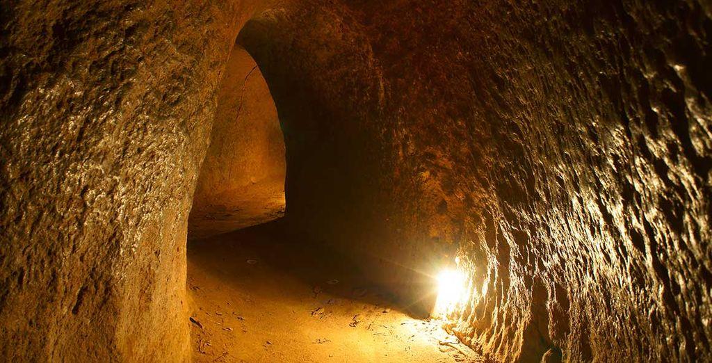 Et tunnels souterrains à Cu Chi