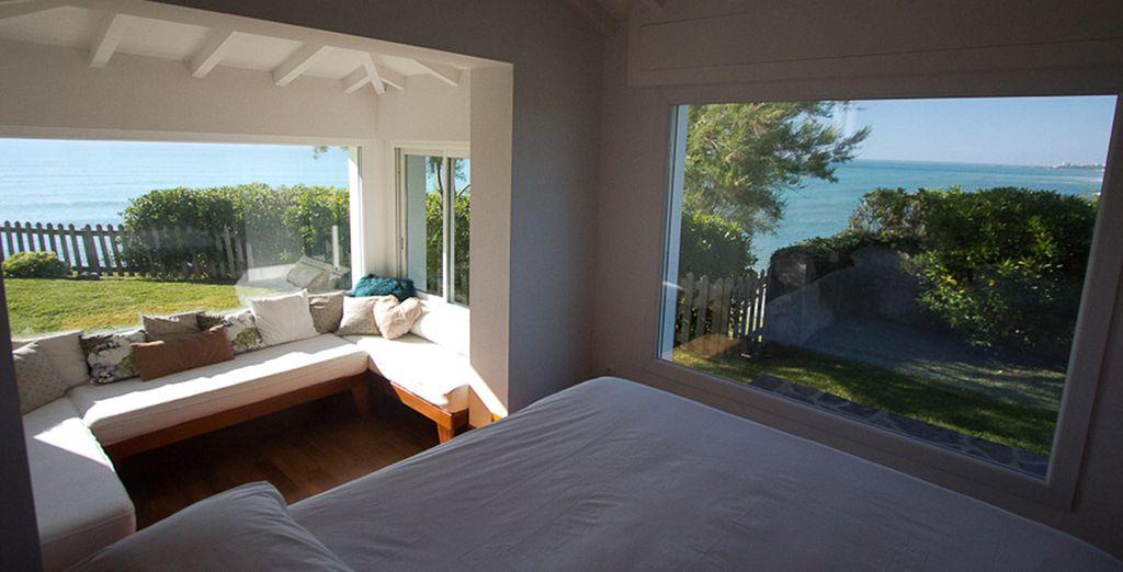La chambre avec vue panoramique sur la mer