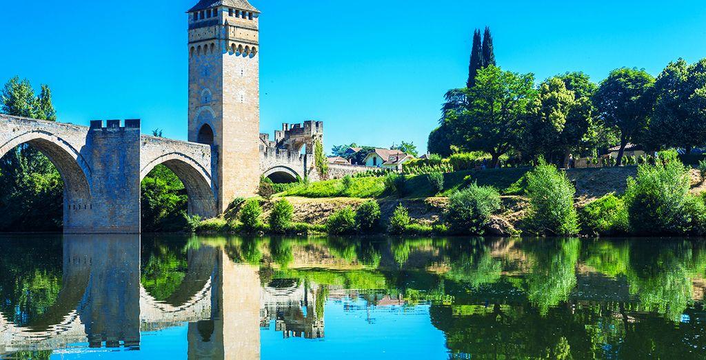 Ou de la belle cité de Cahors et son pont Valentré