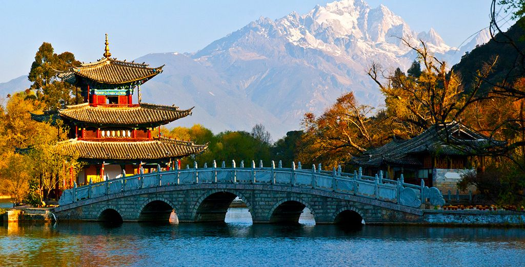 Direction l'ancienne ville de Lijiang, classée au patrimoine mondial de l'UNESCO