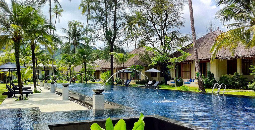 Posez vos valises au Bangsak Village Resort 4*