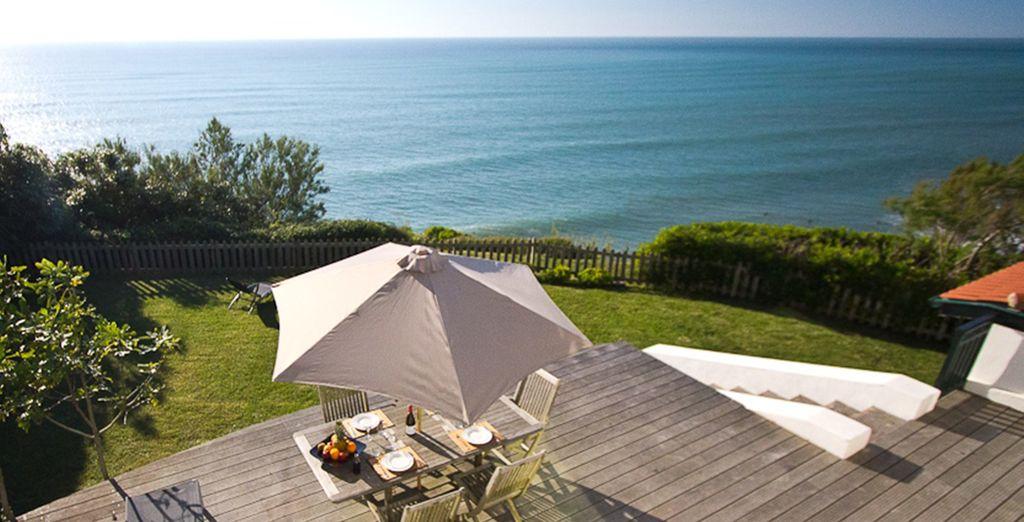 La terrasse avec vue sur la mer