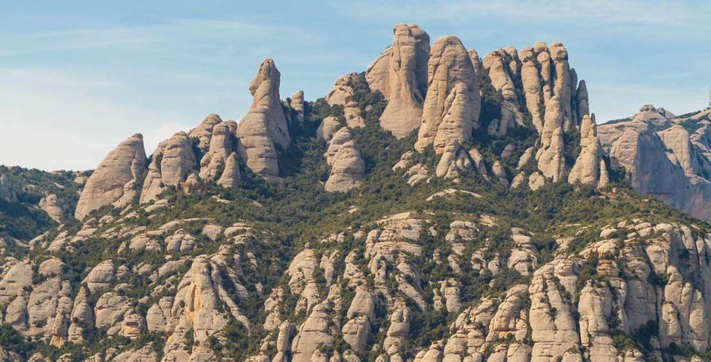 Jusqu'aux montagnes du Montserrat.