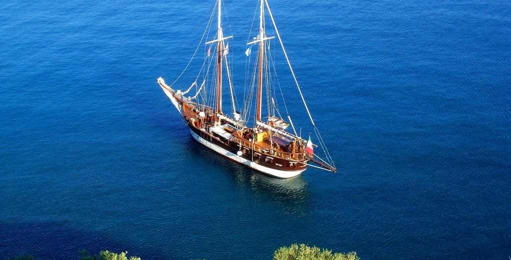 Commencez par une croisière à bord d'un élégant voilier - Combiné croisière & hôtel 5* ou autotour Catane