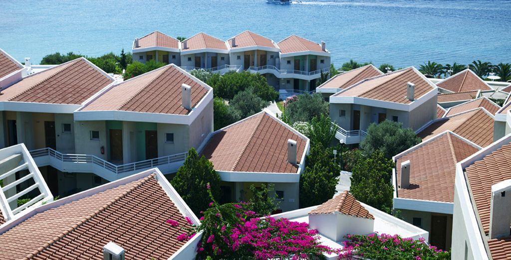 Un établissement de luxe, qui descend vers la mer Egée...