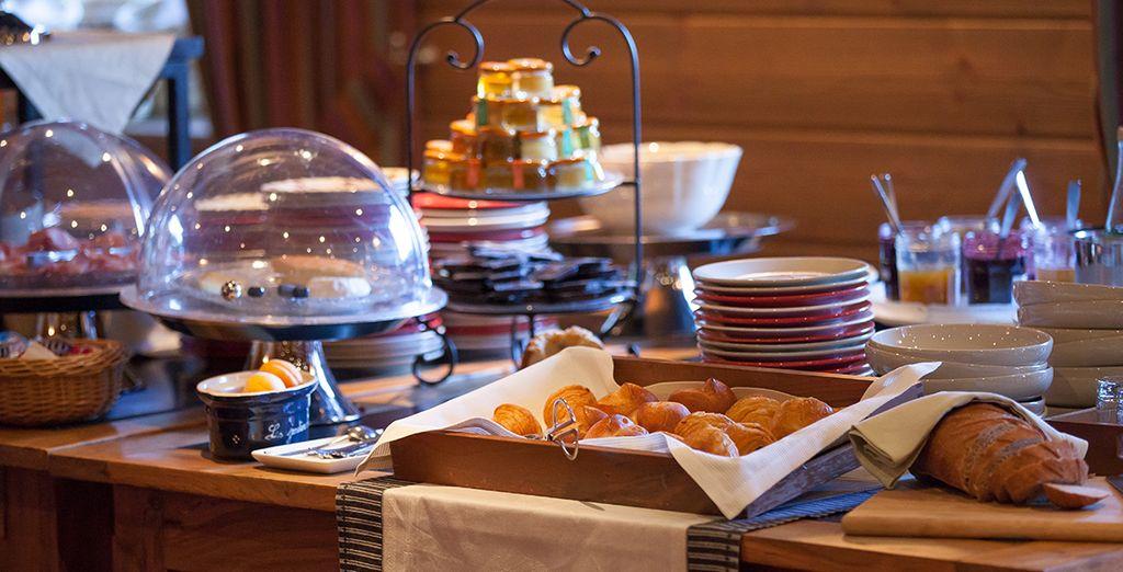 Vous aurez le choix entre un petit-déjeuner ou un formule demi-pension (hors boissons)