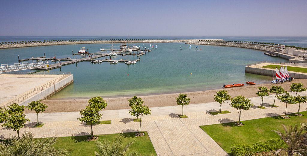 Avec port de plaisance privé sur le Golfe d'Oman