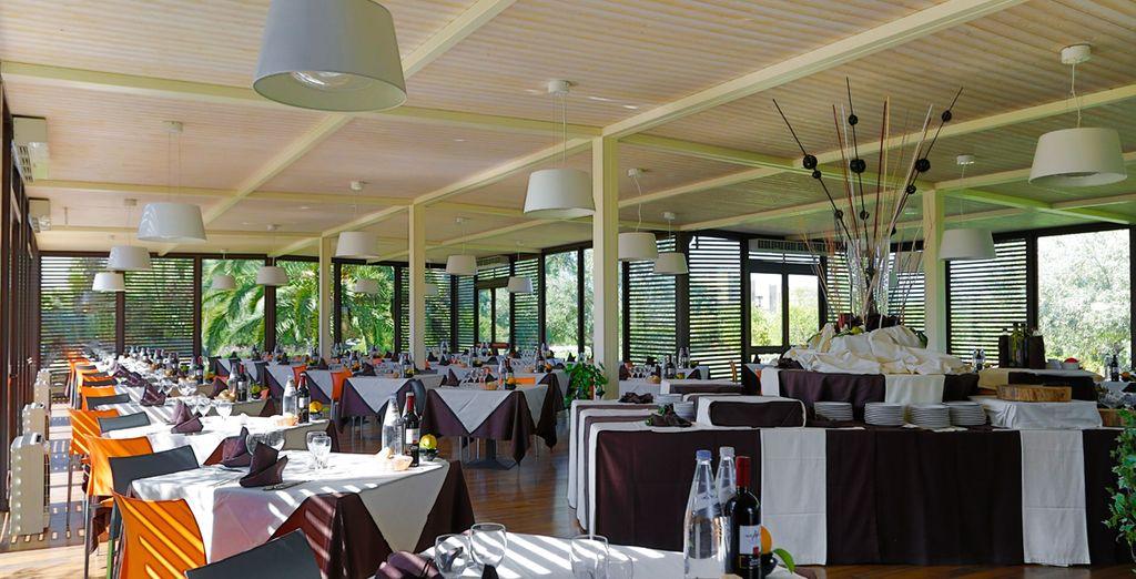 Prenez place à votre table au restaurant exclusivement réservé aux clients de la formule Extra Life