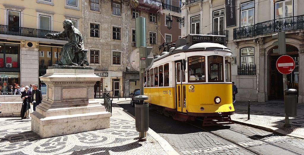 Monter à bord du célèbre tramway jaune
