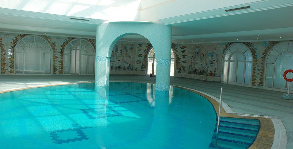 A moins que vous ne préfériez la piscine intérieure, plus intimiste.