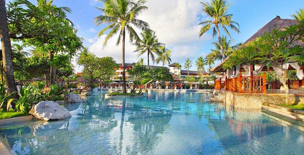 Direction ensuite le bord de mer au Nusa Dua Beach Hotel & Spa