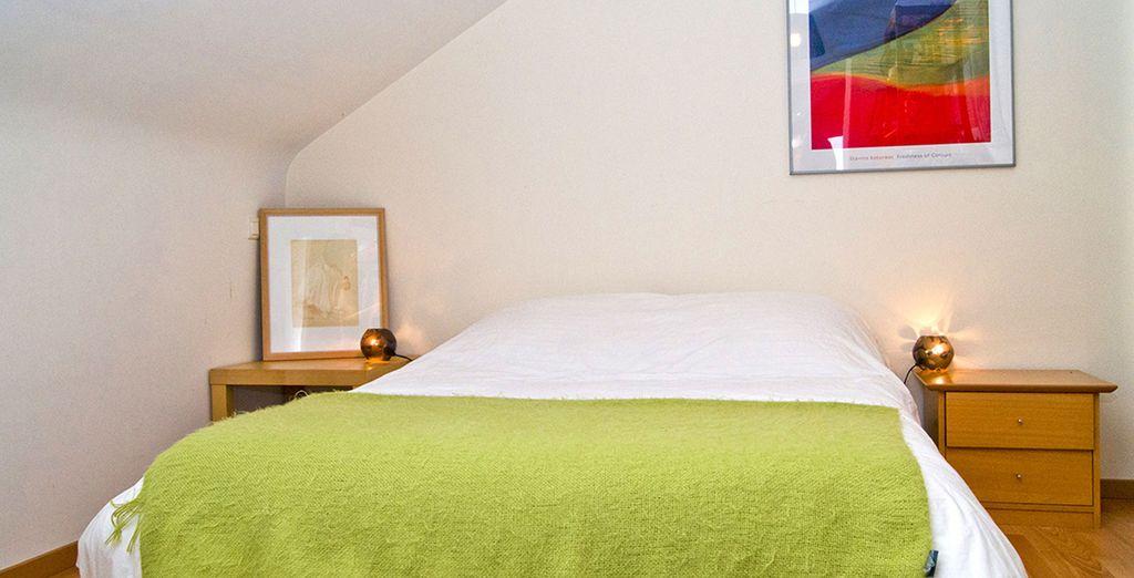 La seconde chambre confortable et lumineuse