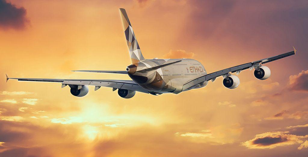 Pour rejoindre ces vacances de rêve, choisissez en option et avec supplément de voyager avec Etihad Airways