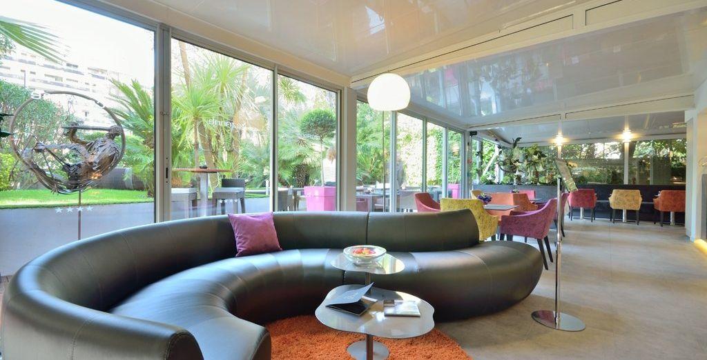 Installez-vous dans un établissement de standing, au Cézanne Hôtel & Spa 4*