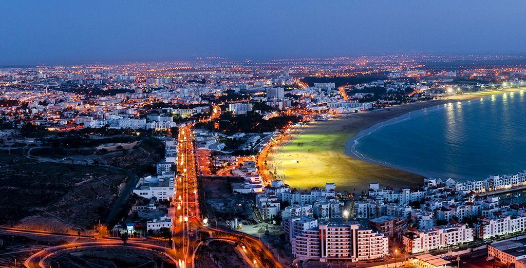 comme de nuit, Agadir vous envoûtera.