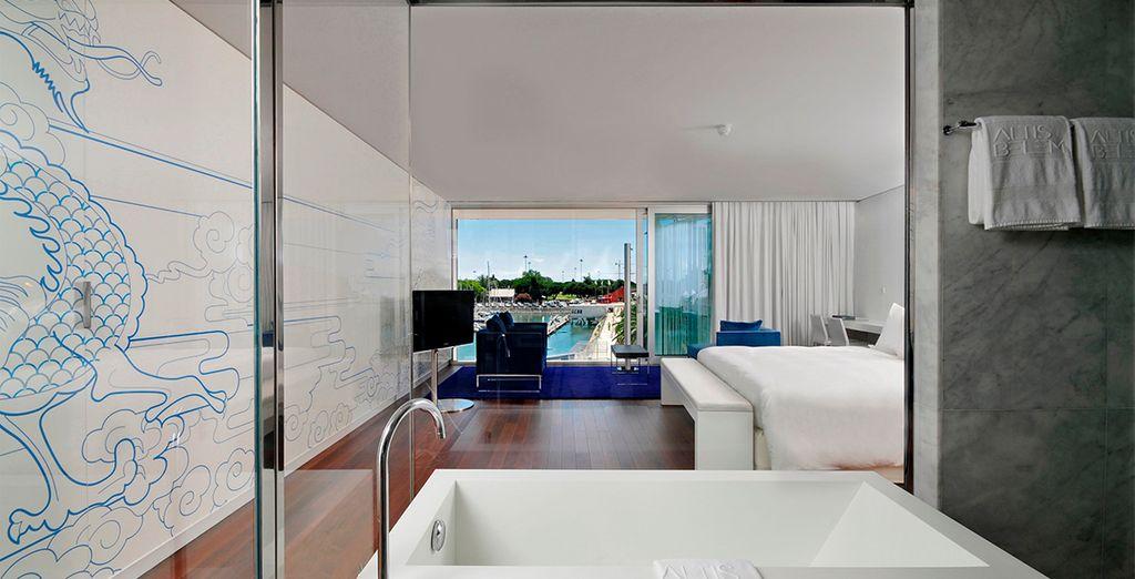 Prenez vos quartiers dans une chambre Deluxe spacieuse et lumineuse