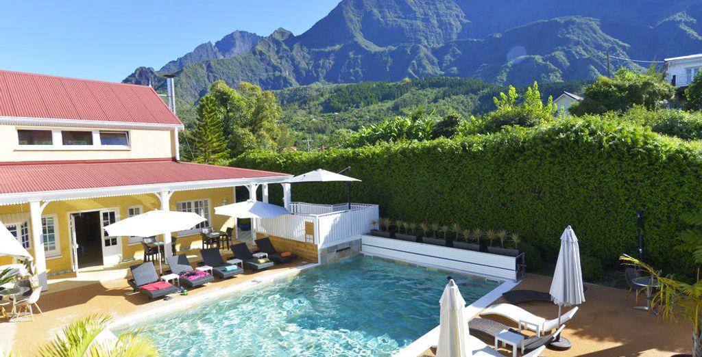 Installez-vous au Cilaos, un hôtel charmant entouré d'une nature de toute beauté