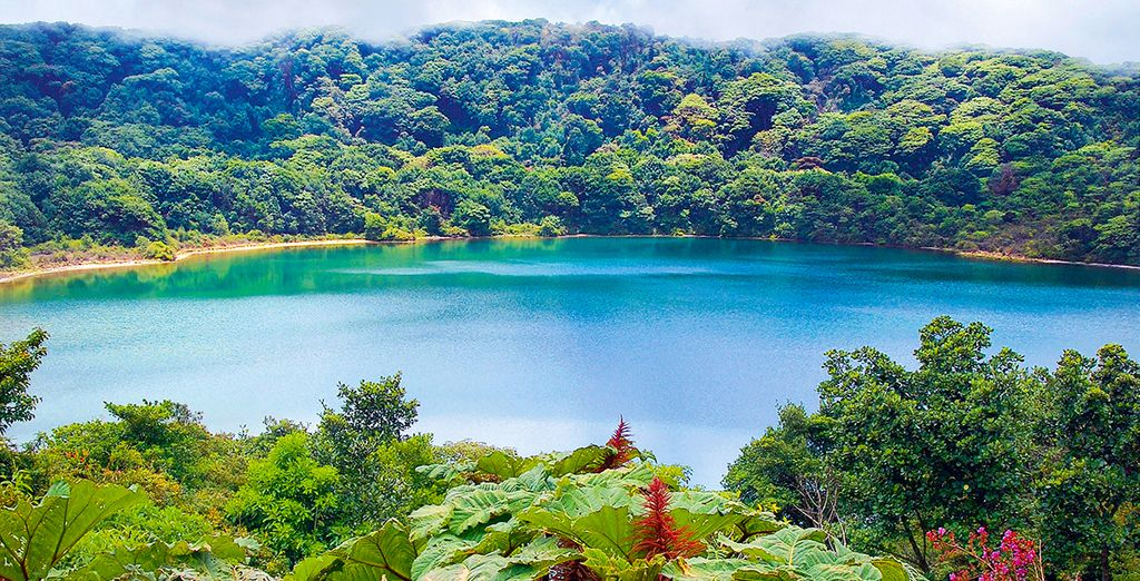 Depuis le lac du Volcan Tenorio...
