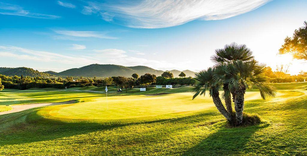Envie d'un séjour dans un cadre préservé où le golf a la part belle ?