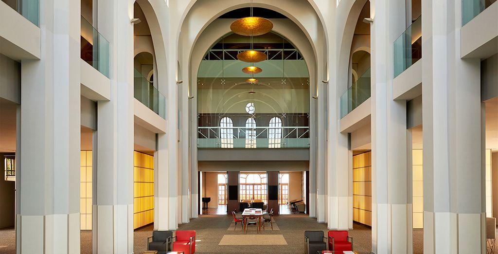 Depuis le très design Méridien Ra Beach Hotel & Spa