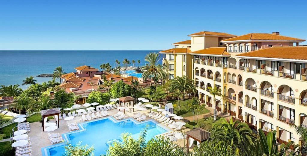Envie de soleil et d'eaux claires pour vos prochaines vacances ? - Hôtel Iberostar Anthelia 5* Santa Cruz de Tenerife