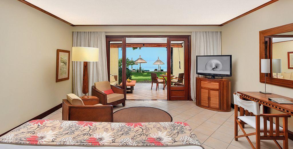 Lovez-vous dans l'opulence de votre chambre Tropicale Front de Mer