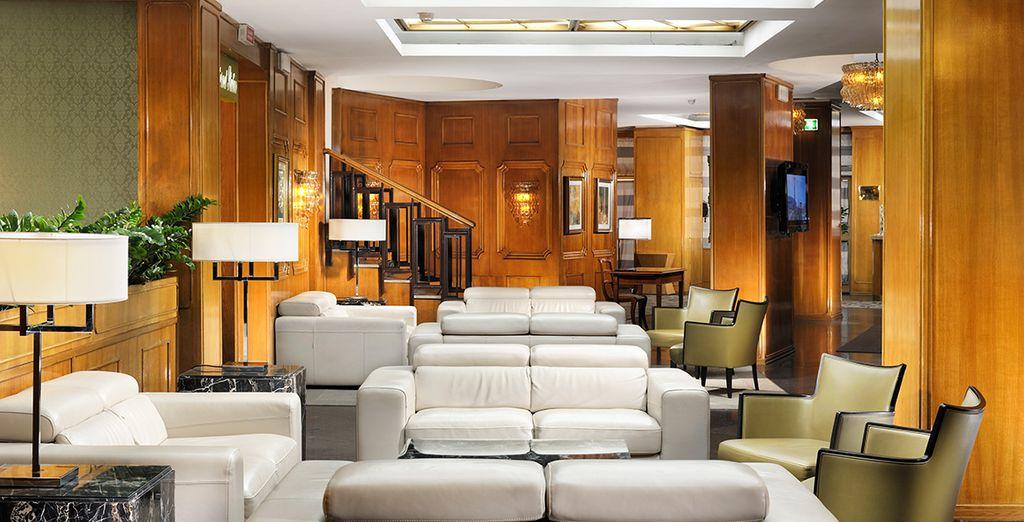 Elegante 4* in stile classico, tonalità delicate e divani in pelle