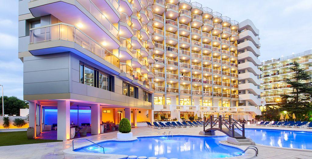 Il Hotel Beverly Park & Spa 4*S vi da il benvenuto