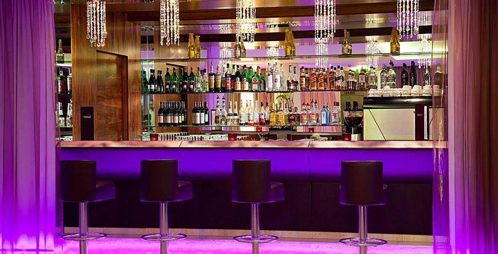 Da un bar dall'atmosfera rilassata