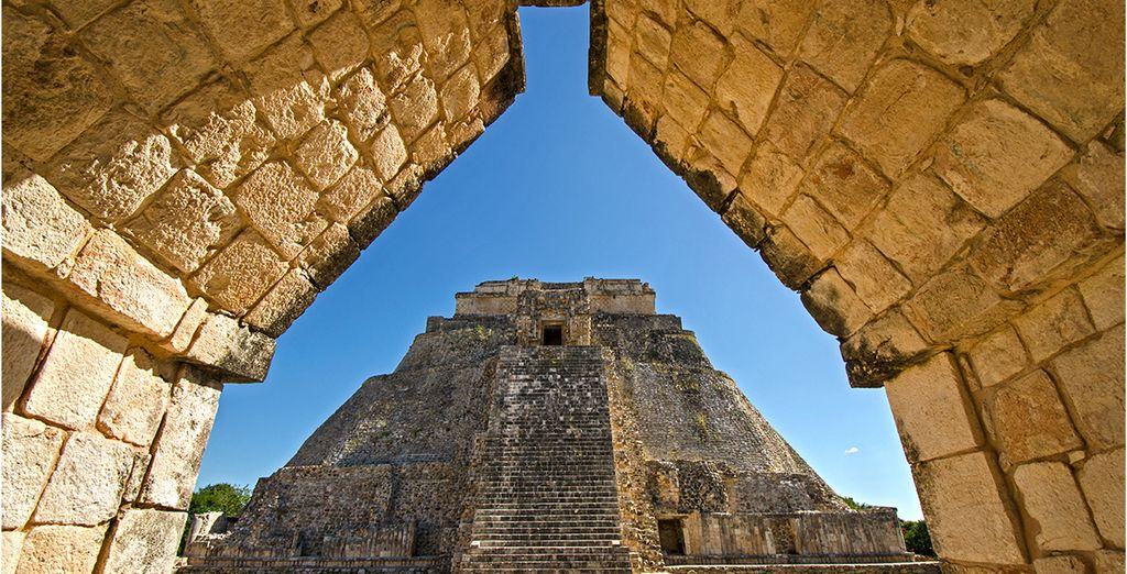 Monumenti storici, sito archeologico e tempio Maya in Messico
