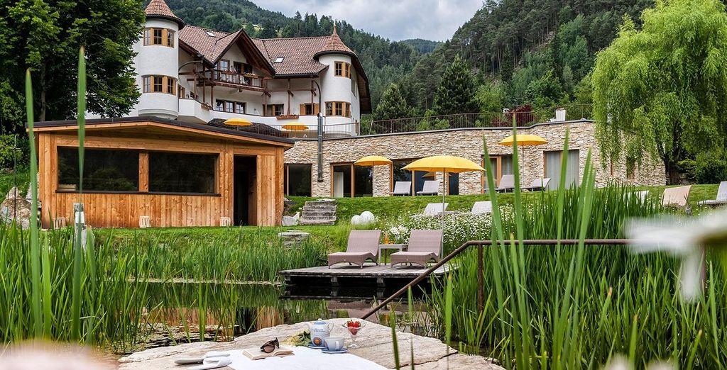 Una struttura immersa nella stupenda vegetazione tipica del Trentino