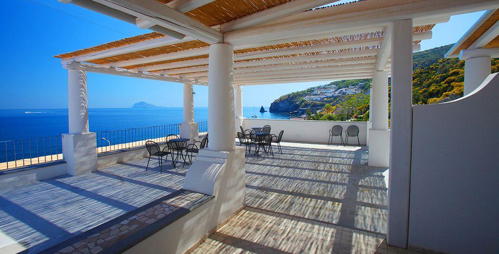 Regalatevi una vacanza a Lipari, nel cuore delle Isole Eolie