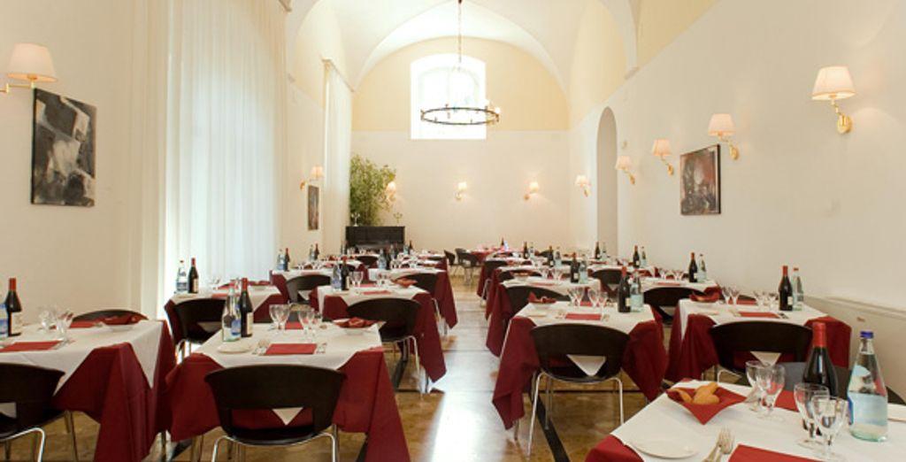 Gustate pietanze prelibate presso la Sala ristorante