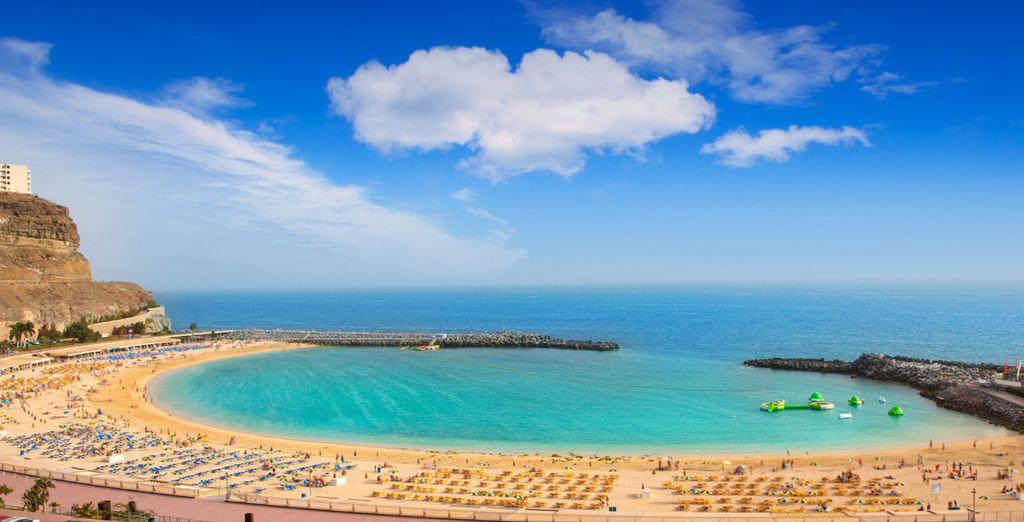 Spiaggia di Puerto Rico nelle Isole Canarie