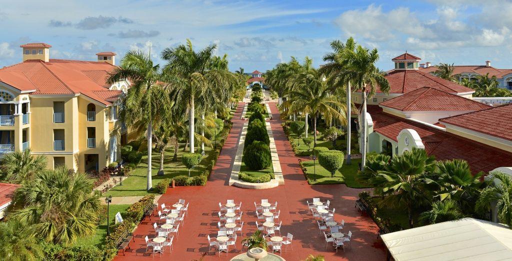 Sarete circondati ampi giardini tropicali