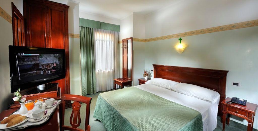 Potrete riposare in confortevoli Camere Romantic vista lago