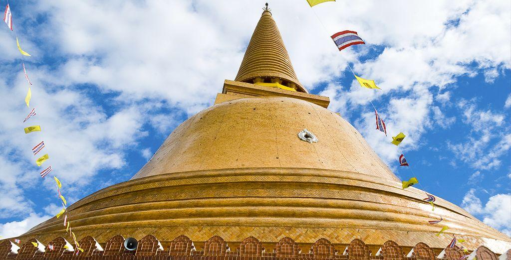 E dalle imponenti pagode