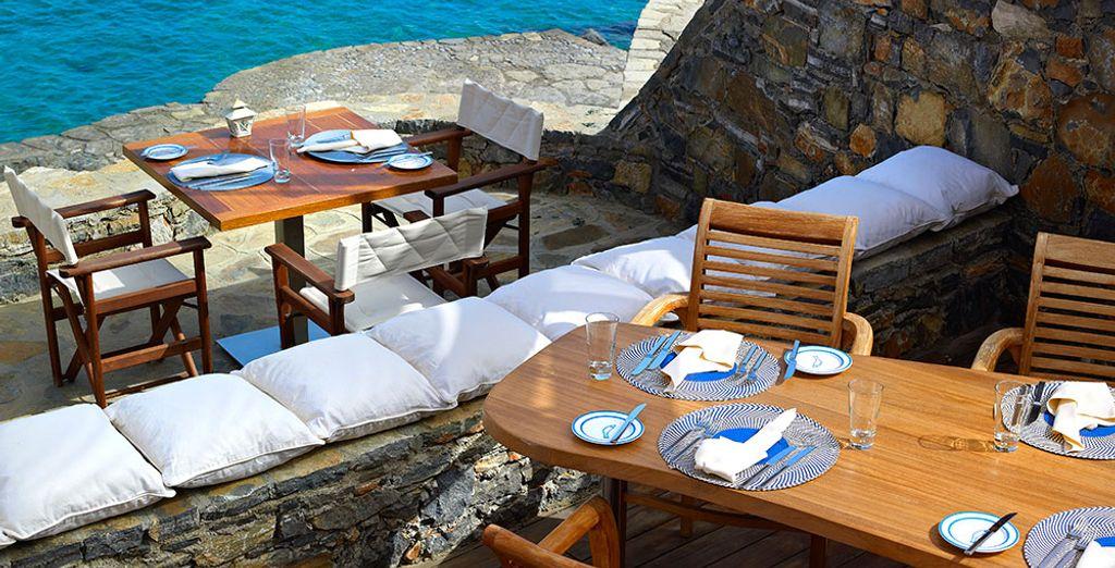 Potrete decidere di gustare un buon pranzo fronte mare