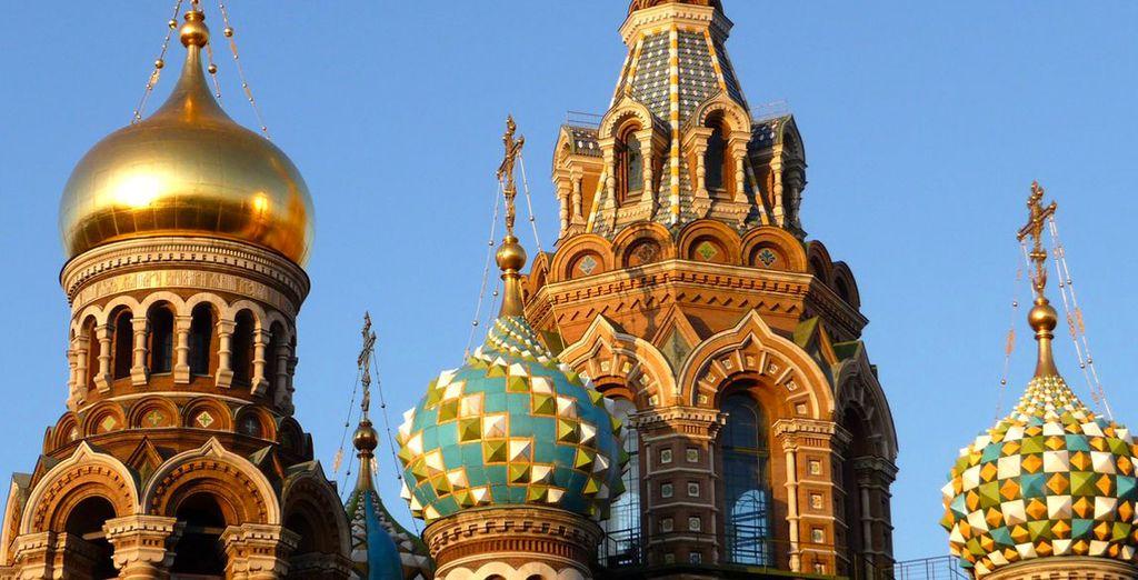 Respirate i fasti del glorioso passato di San Pietroburgo.