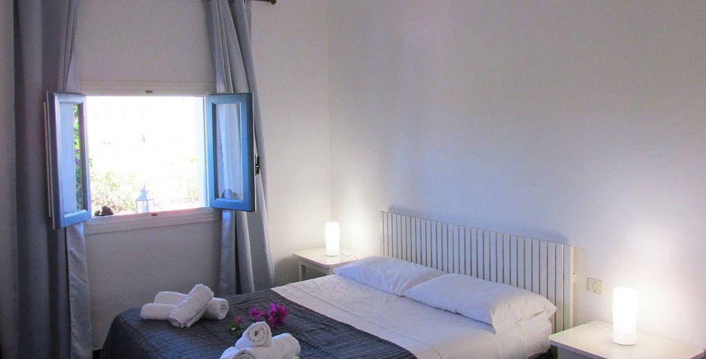 Una camera da letto luminosa ed accogliente