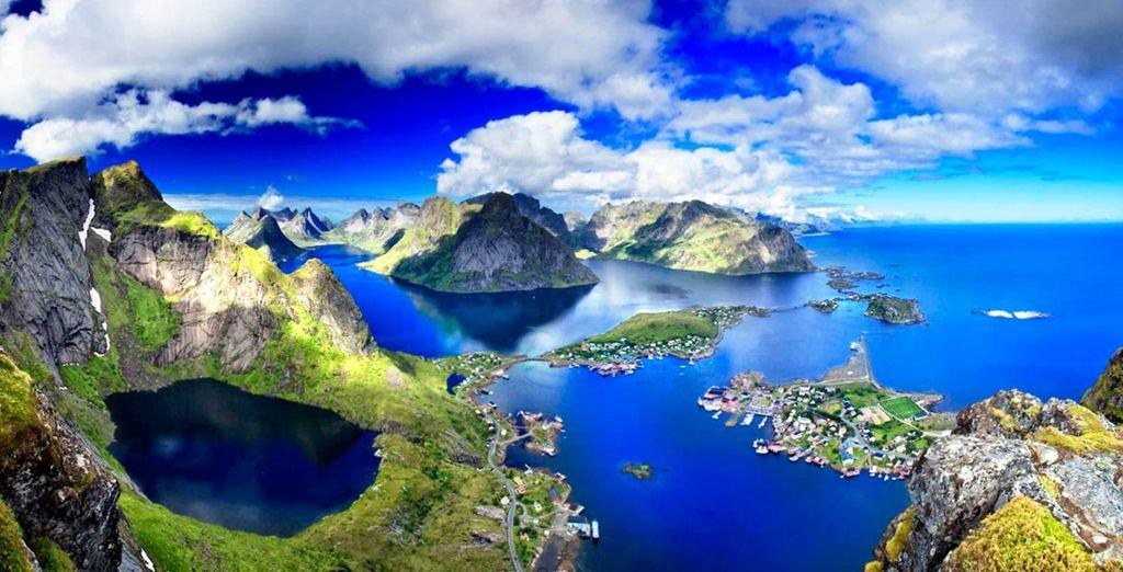 Gli incredibili paesaggi delle Isole Lofoten vi attendono per farvi vivere un'esperienza indimenticabile
