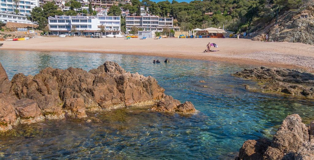 Trascorrete le vostre giornate sulla bellissima spiaggia di Mar Menuda