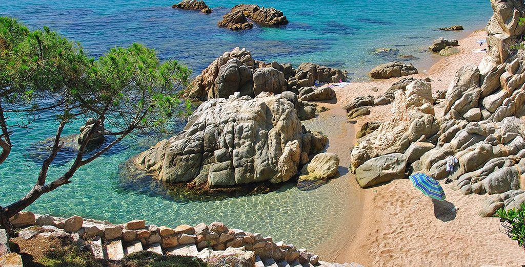 Il mare cristallino della Costa Brava sarà una piacevole sorpresa