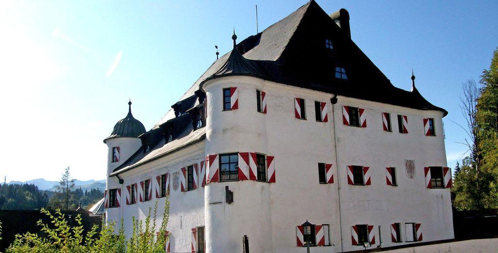 Lo Schloss Rosenegg 4* è un'hotel costruito in un castello tradizionale