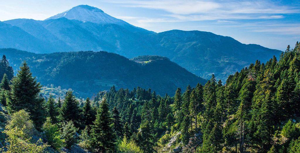 Evia vi offre paeasaggi dai tratti montuosi e aspri