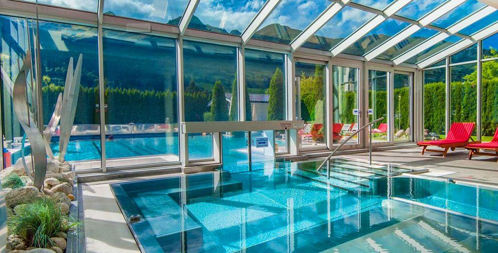 Hotel di alta gamma nel cuore delle Alpi austriache, con piscina coperta riscaldata e vista sulle montagne