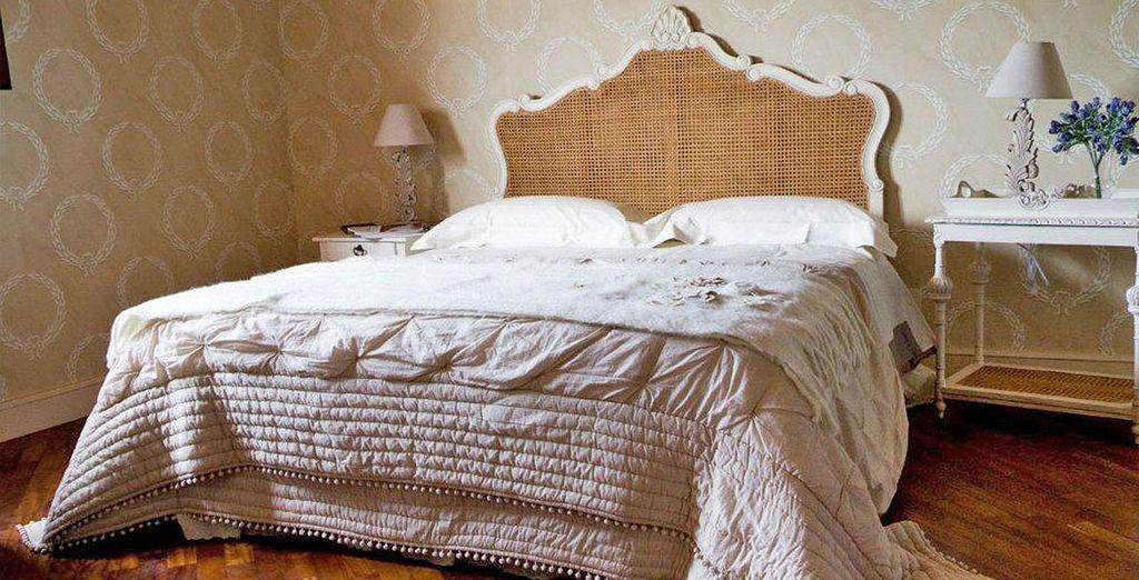 Soggiornerete nelle ampie e confortevoli camere Classic, arredate con stile