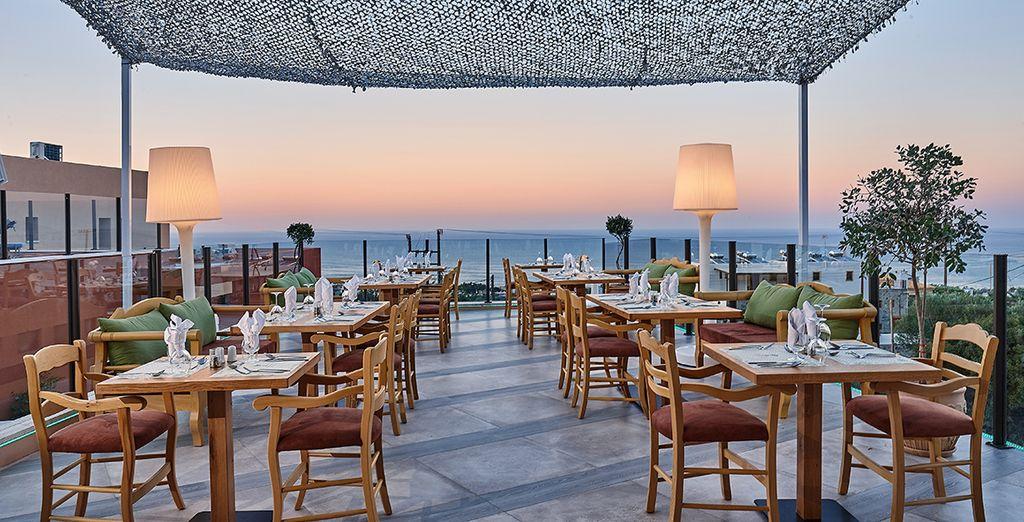 Concedetevi una cena romantica presso la splendida terrazza